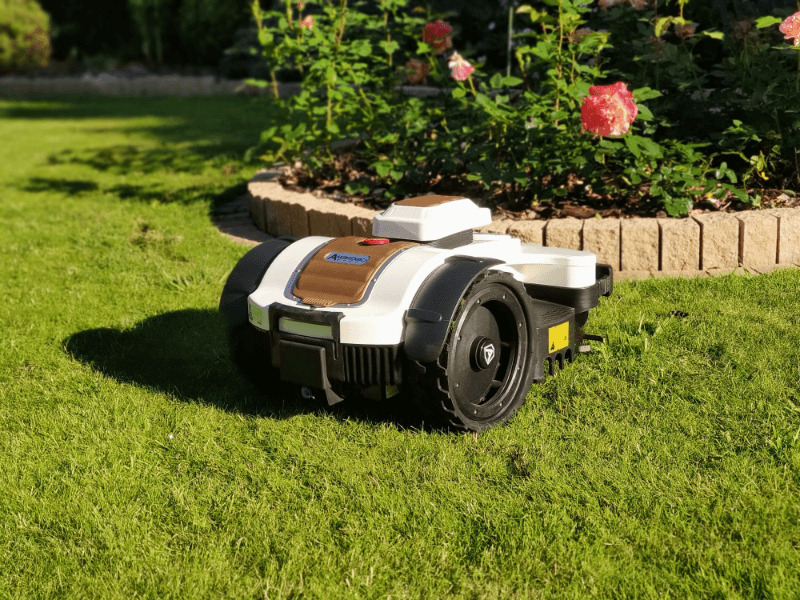 Robot koszący zamiast traktorka do trawy, czy to w ogóle możliwe?